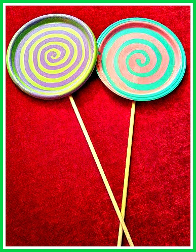 These lollipop decorations are fun and easy to make!